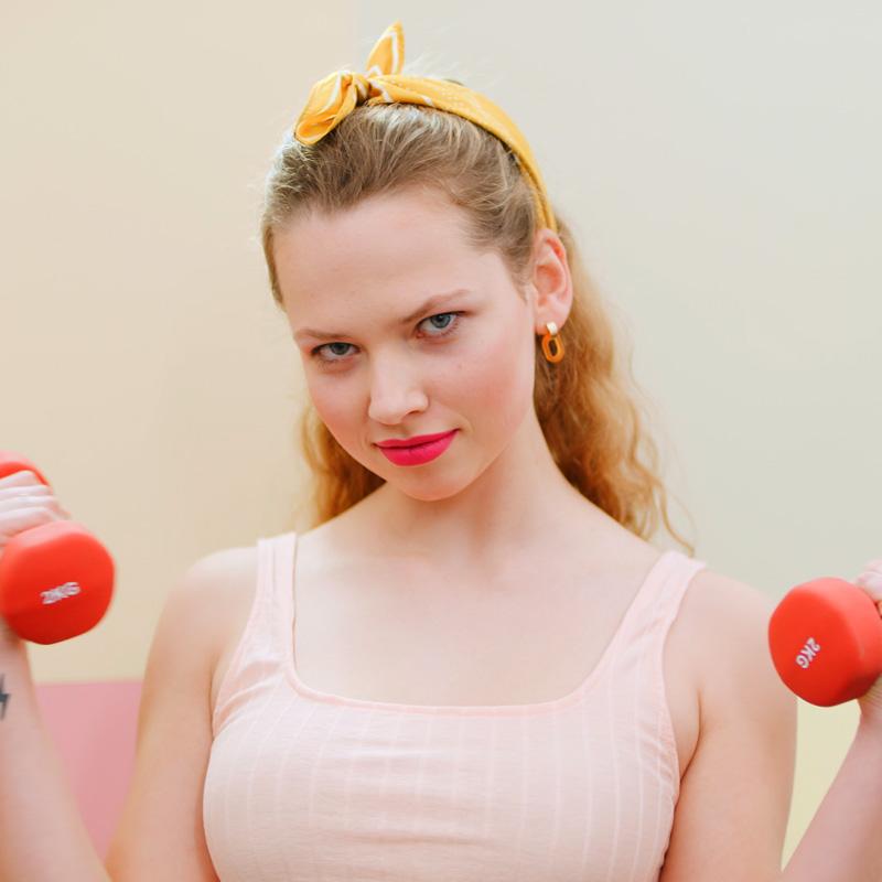 STRONG fitness cosmetics - wischfest, schweißfest, wasserfest