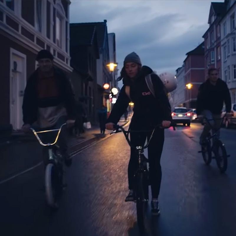 Wo BMX begann | #NEUWÄRTS mit Lara Lessmann