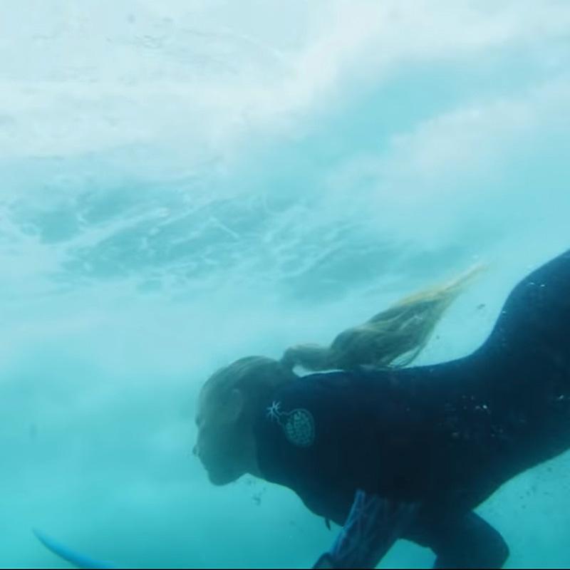 Beim Surfen alles vergessen | #NEUWÄRTS mit Valeska