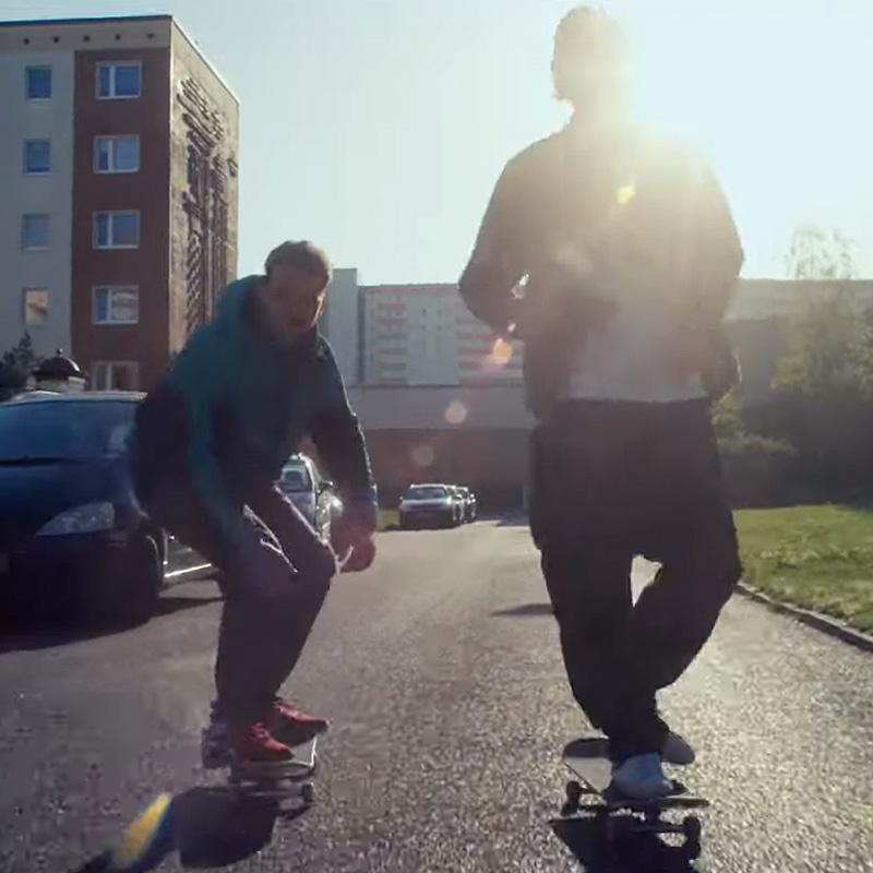 Mit dem Skateboard aus der Platte! | #NEUWÄRTS mit Denny Pham