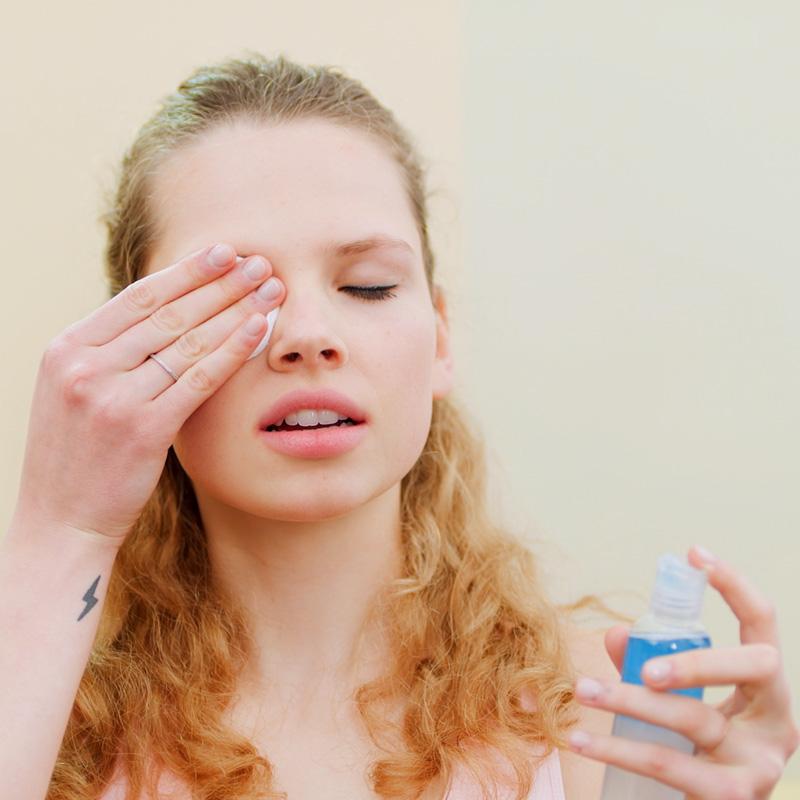 STRONG fitness cosmetics - Reinigung